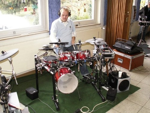 germany s first electronic drummer meeting simmonsmuseum 39 s blog. Black Bedroom Furniture Sets. Home Design Ideas